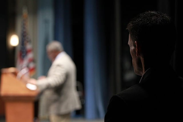 Learn How To Use Humor In Public Speaking